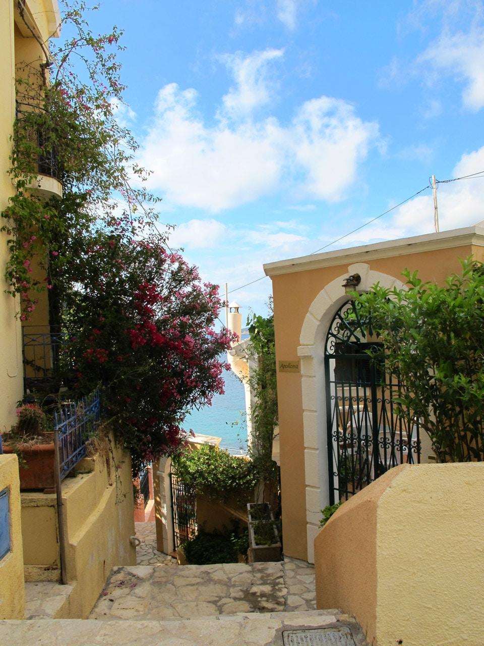 Village d'Assos - Road trip en Céphalonie par Il etait une veggie