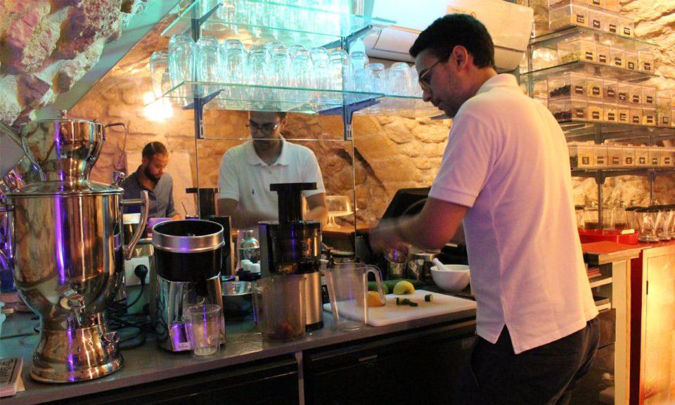 Naturathera, Herboristerie et bar à tisanes par il etait une veggie